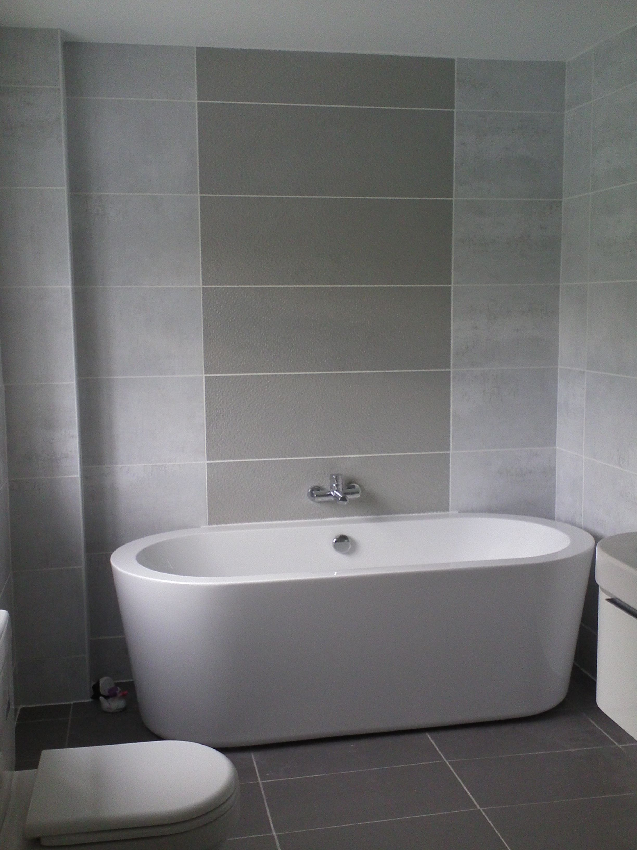 Tiling a small bathroom ideas - Inspiring Small Bathroom Color Ideas With Grey Wall Tiled As Well As Simple