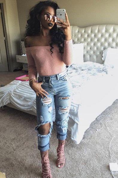 eef2a5def141 Fashion Nova top - Ripped blue jeans - La Moda sunglasses -  therealbambinokitten  - De arra Taylor
