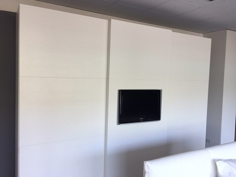Armadio Con Vano Tv Ikea.Armadio Scorrevole Con Vano Tv Armadio Con Tv Idee Armadio Camera Da Letto Armadio
