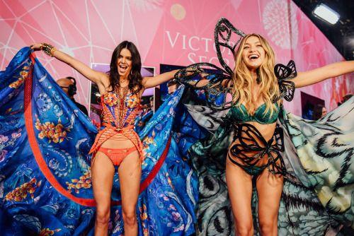 """""""Victoria's Secret"""" ~~Rosario Conteras~~"""