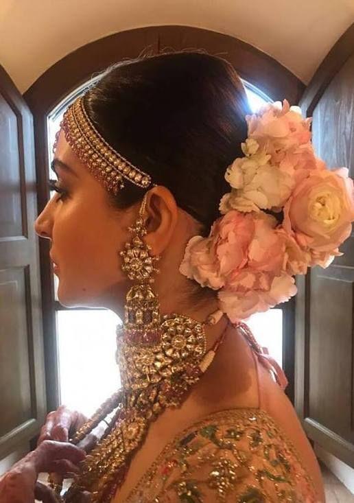 Virat Kohli Anushka Sharma Wedding Bridal Hair Buns Bridal Hairdo Bridal Hairstyle Indian Wedding