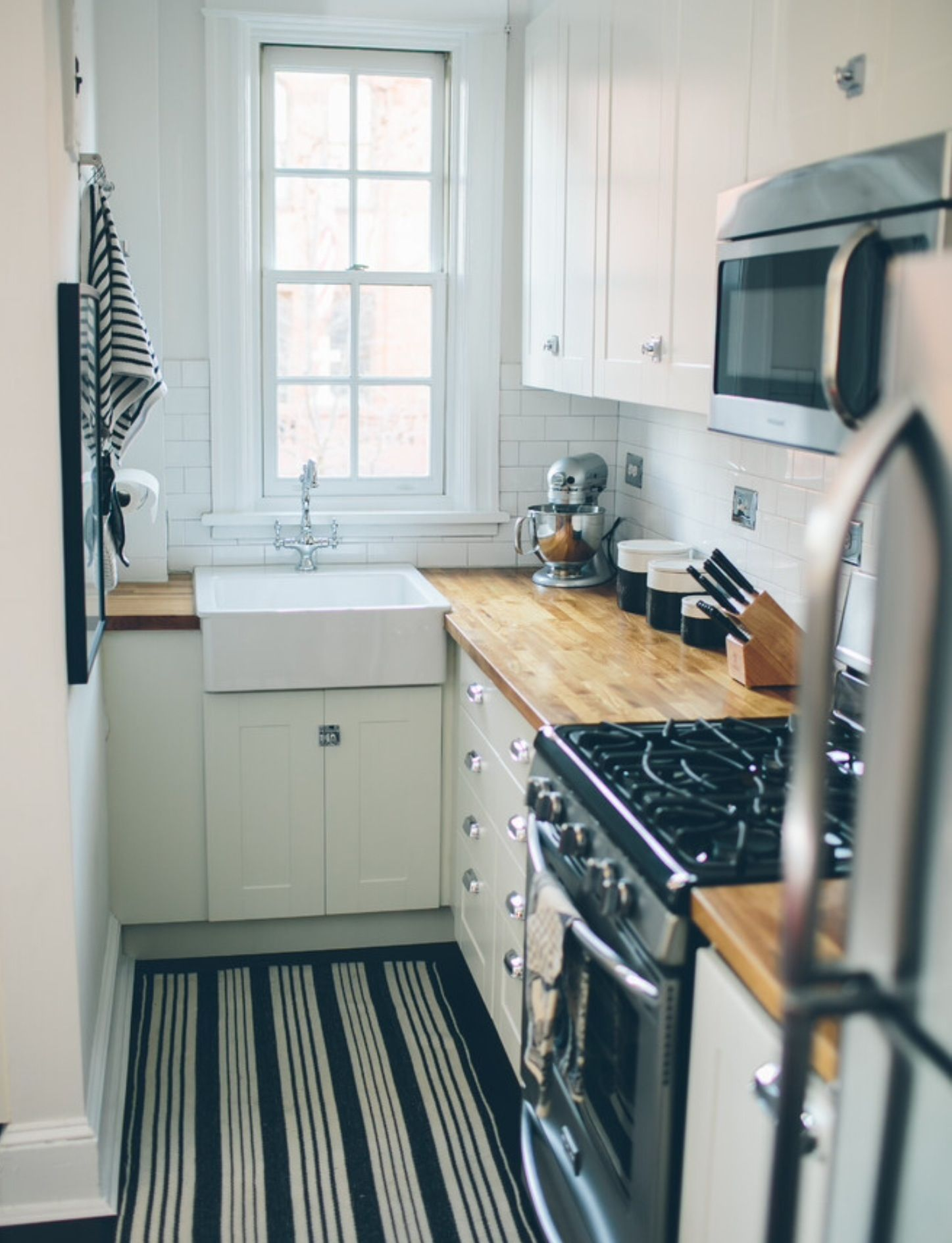 Pin by X pek Tuxy on Small space. Big style.   Kitchen remodel ...