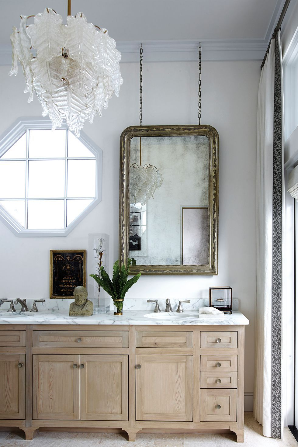 Bathroom With Mirrors Here S All The Inspiration You Need To Decorate With Mirrors