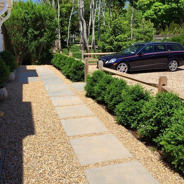 Entry Court Simple Rail Fence Boxwood Block View Of Autos Gravel Bluestone Path Tom Samet Outdoor Backyard Landscaping Rail Fence Fence