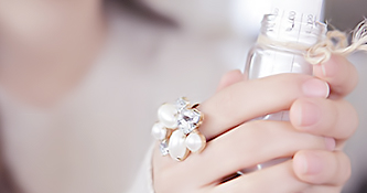 صور وخلفيات حلوة لقطات جديدة غريبة عجيبة متميزة جدا نشاركها معكم عبر موقعنا أحلي صورة ولابد عند اختيار خلفية حلوة لج Wedding Rings Engagement Rings Engagement