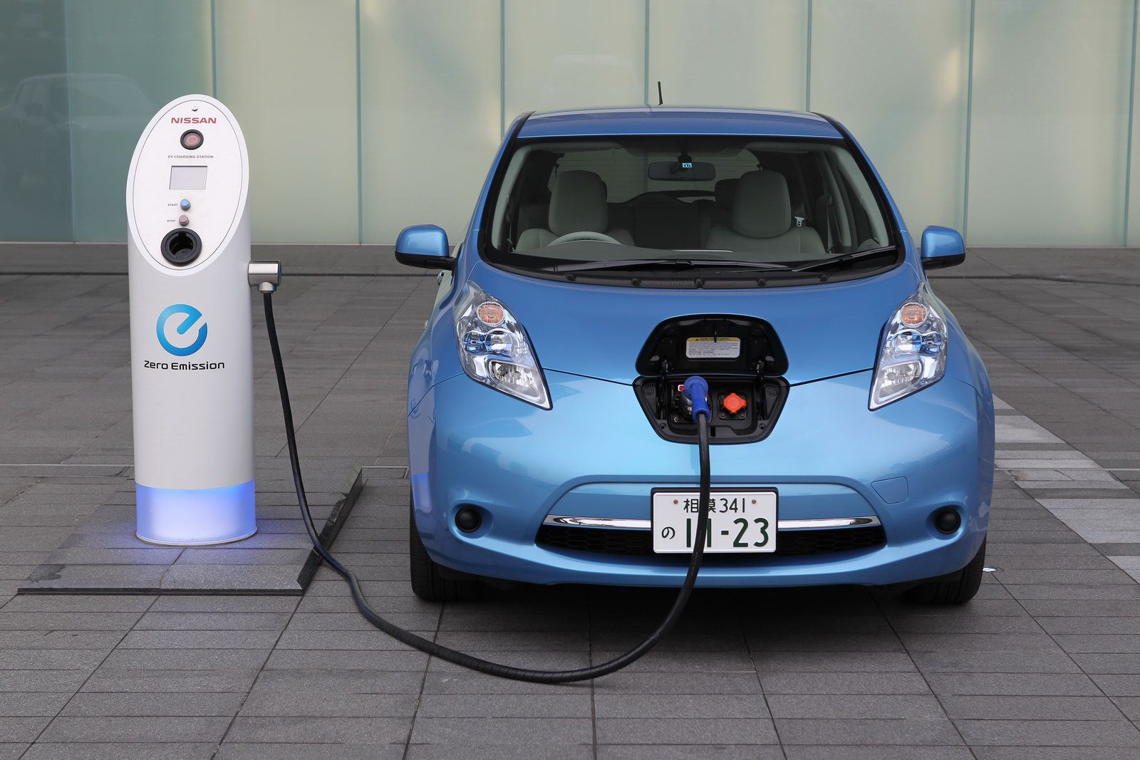 Electric Cars Pros and Cons Why Buy an Electric Car