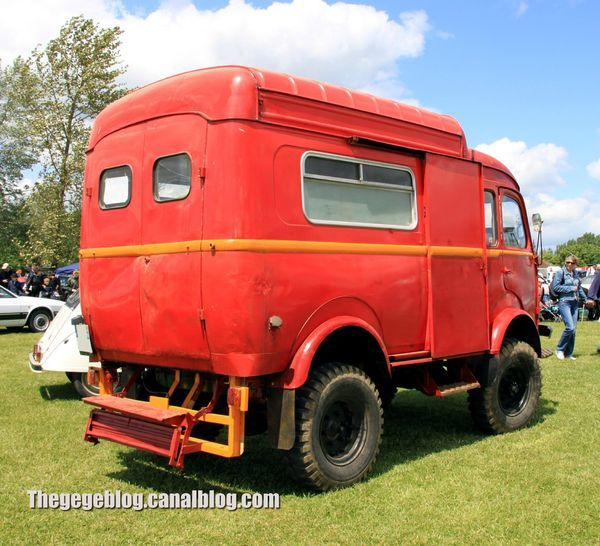 renault goelette r2087 4x4 de 1961 camping car voiture camping car et caravane. Black Bedroom Furniture Sets. Home Design Ideas