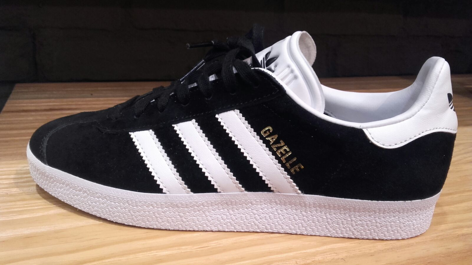 Adidas Gazelle. Available sizes 36 until 44. Price €60 and shipping costs