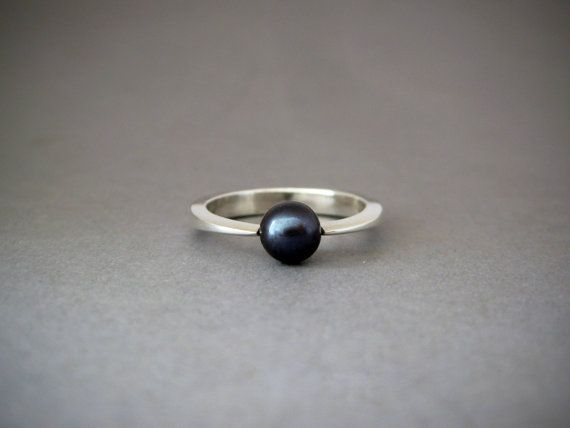 Black pearl engagement ring by alchemia1 on Etsy, $99.00