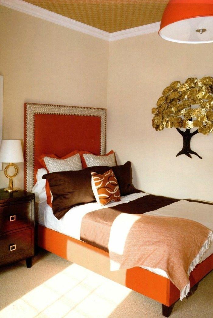 wohnideen schlafzimmer wanddeko orange akzente schöne zimmerdecke