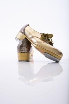 Tap Shoes New Capezio Tan