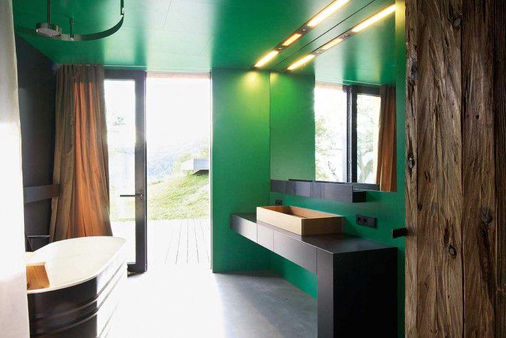 vom badezimmer im untergeschoss kann man direkt ins freie gehen, Innenarchitektur ideen