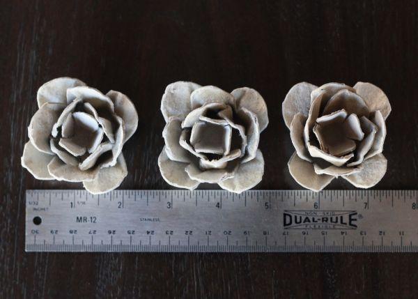 Haz una lindas flores reciclando el cartón del empaque de los huevos   Hola amigas y amigos de Lodijoella.net , nos da un enorme gusto que n...