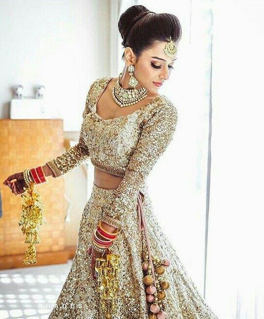 Pin von Srishti Kundra auf Blushing brides | Pinterest