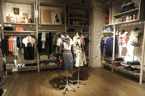 Clothing Store Decorating Ideas | Clothing Shop Interior Design ...