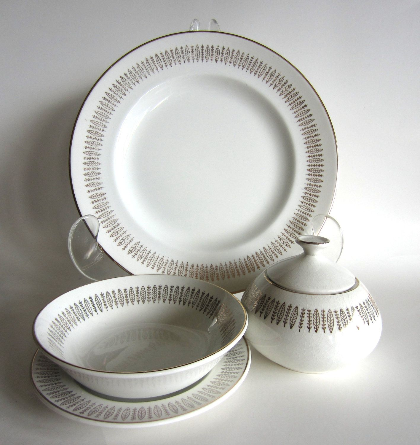 Royal Knight Traditional Dinnerware 32pc Set 22kt Gold ...