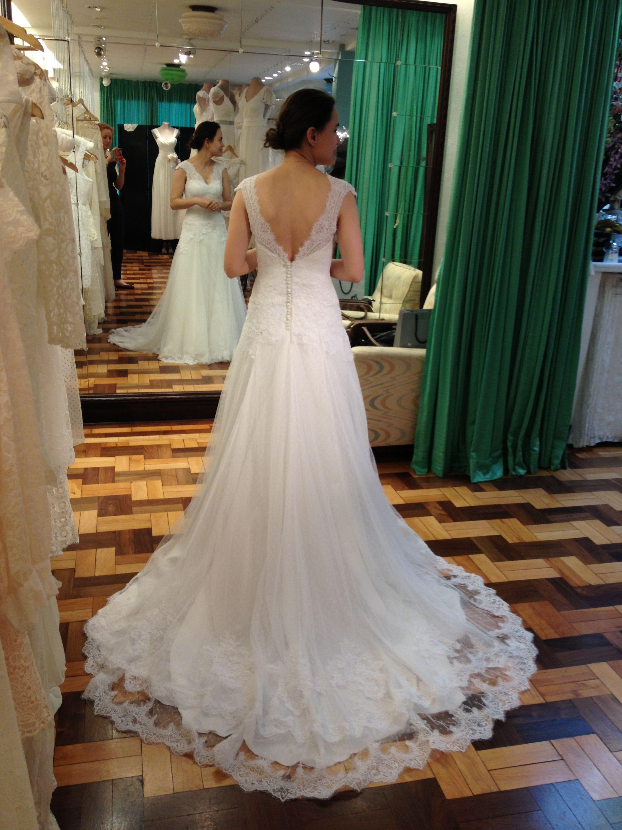 Custom made wedding dress  Wedding dress fittings provas do vestido de noiva e acessórios uc