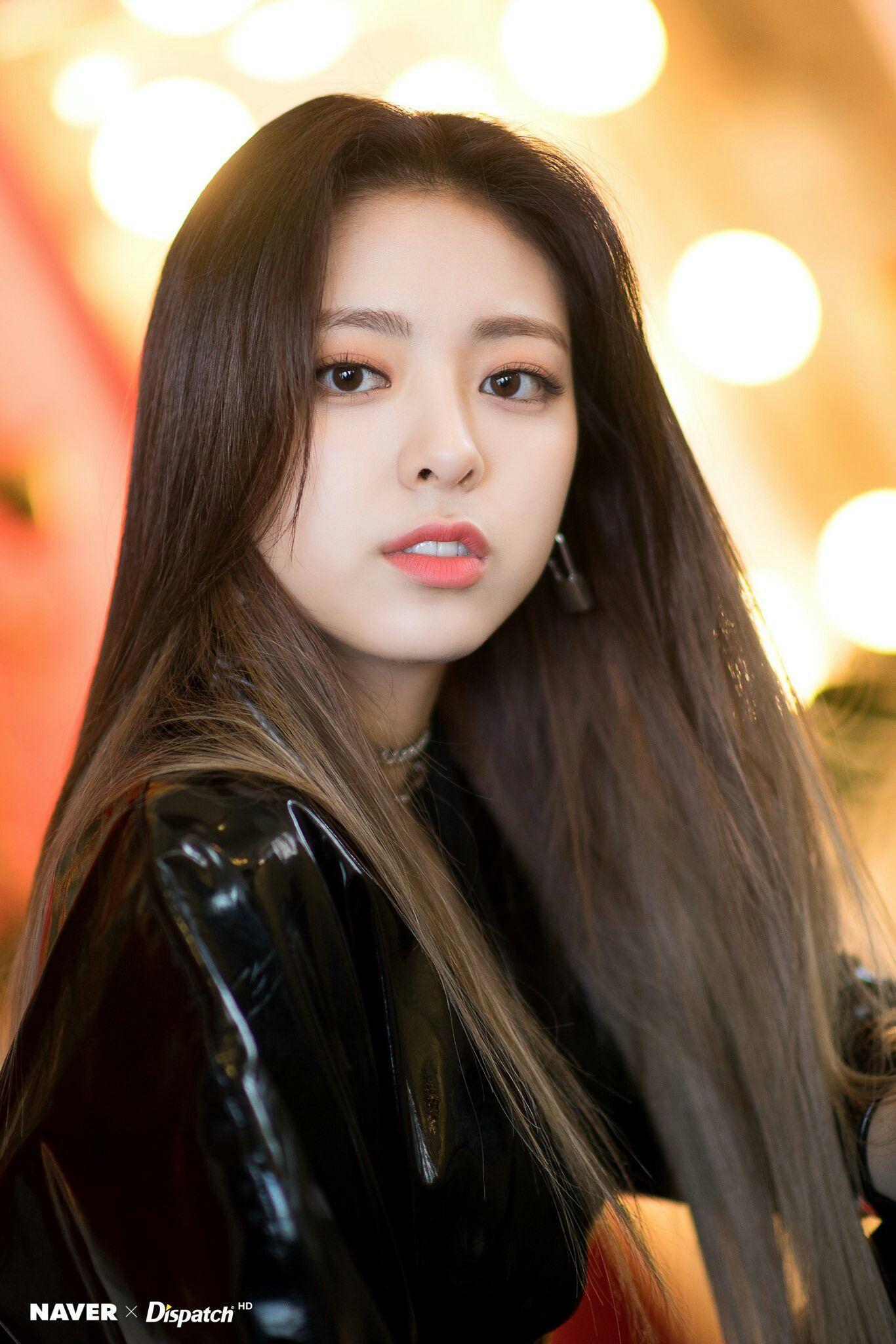 Dispatch X Itzy Yuna Itzy Girl Kpop Girls