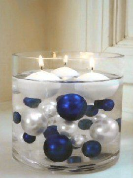 so pretty with blue and silver baubles and round floating candles rh pinterest com mx