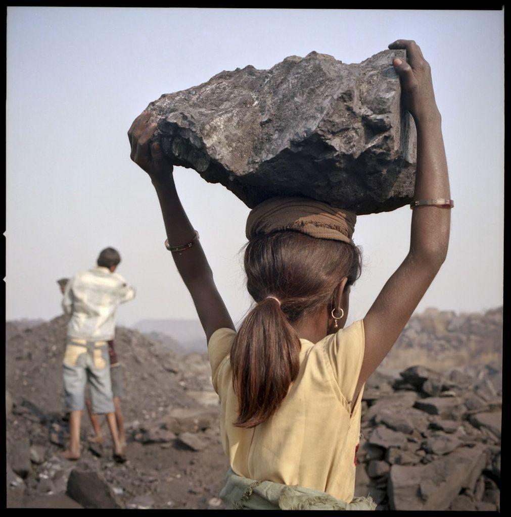 It's not right. Child Labour. Children working in the mines in India. Kalaheera © Thomas Vanden Driessche