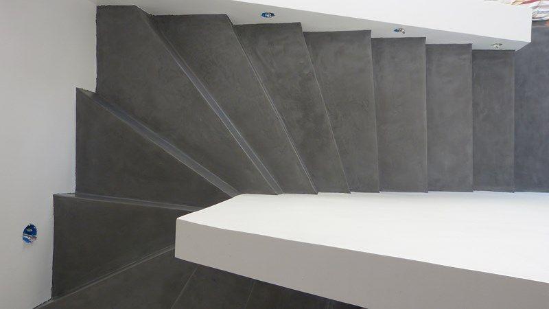 Escaliers Beton Et Bois Buscar Con Google Escalier Carrele Escalier Carrelage Escalier