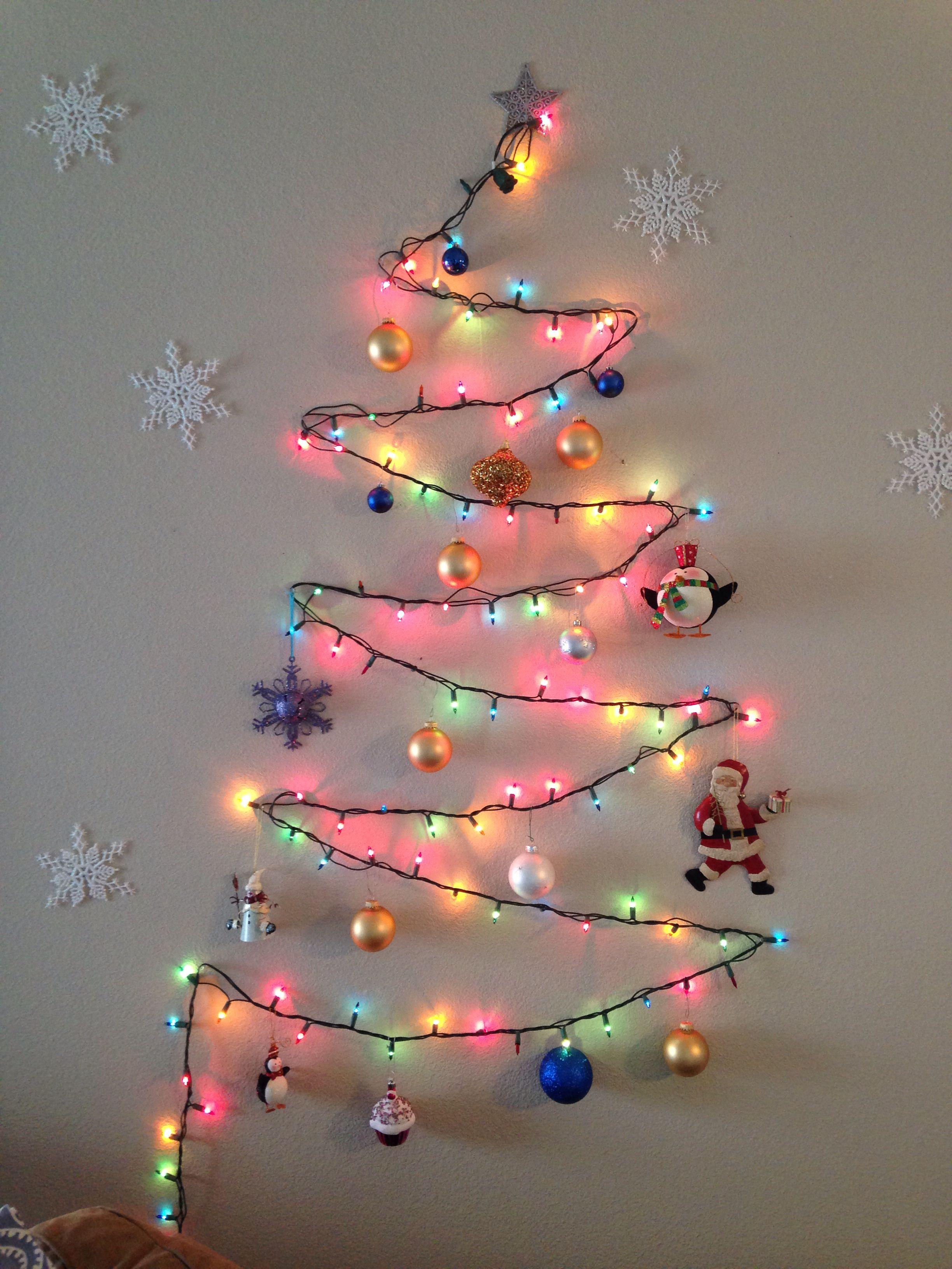 Christmas Tree On Wall Using Thumb Tacks And One Strand Of Lights Wall Christmas Tree Unique Christmas Trees Xmas Lights