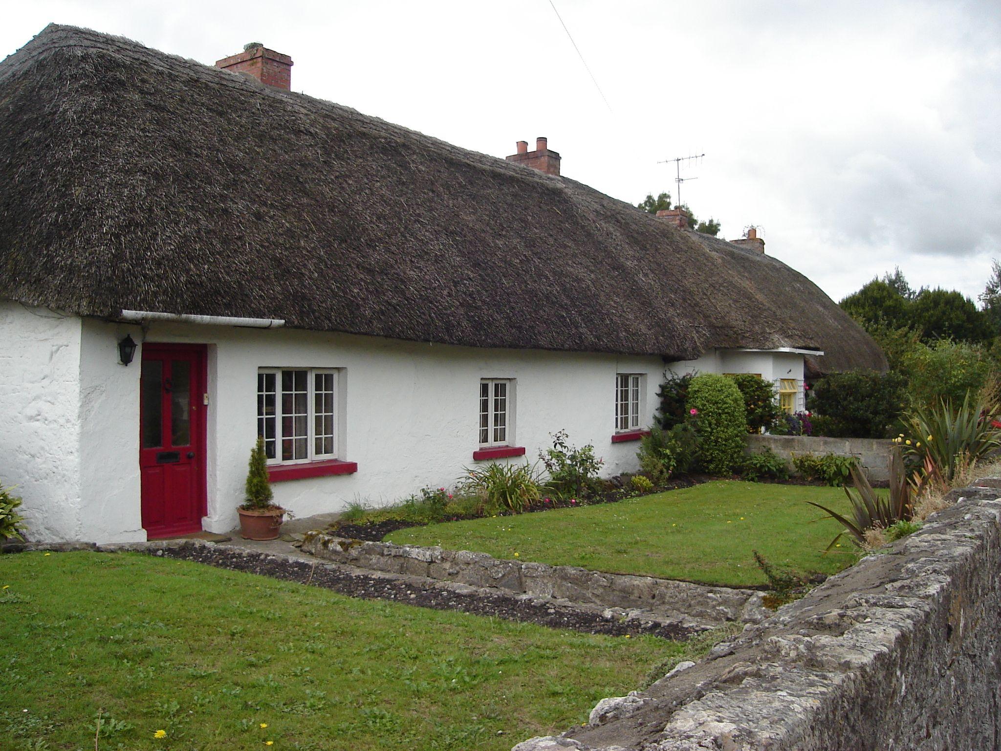 Irish Cottage Ireland Cottage Beautiful Roofs Irish Cottage
