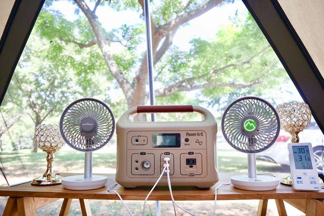 Frede フレデ さんはinstagramを利用しています 夏 キャンプを快適に お盆前に 暑い夏キャンプに快適な扇風機をイロイロ使ってみてレビュー 首振り機能付の Keynice扇風機 をフレデ家で使ってます 2020 扇風機 キャンプ 家