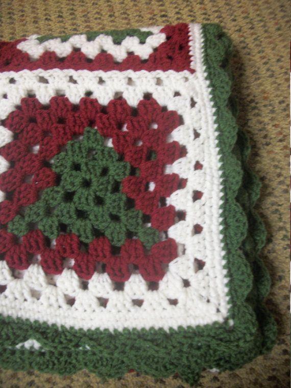 Christmas Tree Granny Square Lap Afghan | Abuelas, Plaza y Navidad