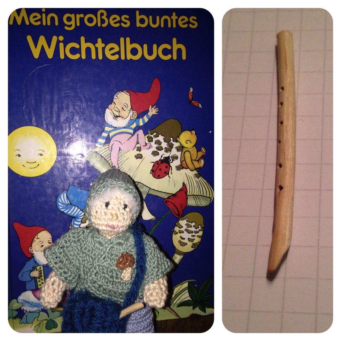 Mein Wichtelmännlein Fidelius Grünrock. Inspiriert von einem Buch, das meine Oma mir zum 8. Geburtstag schenkte.  Hier mit seiner Tasche und Flöte.