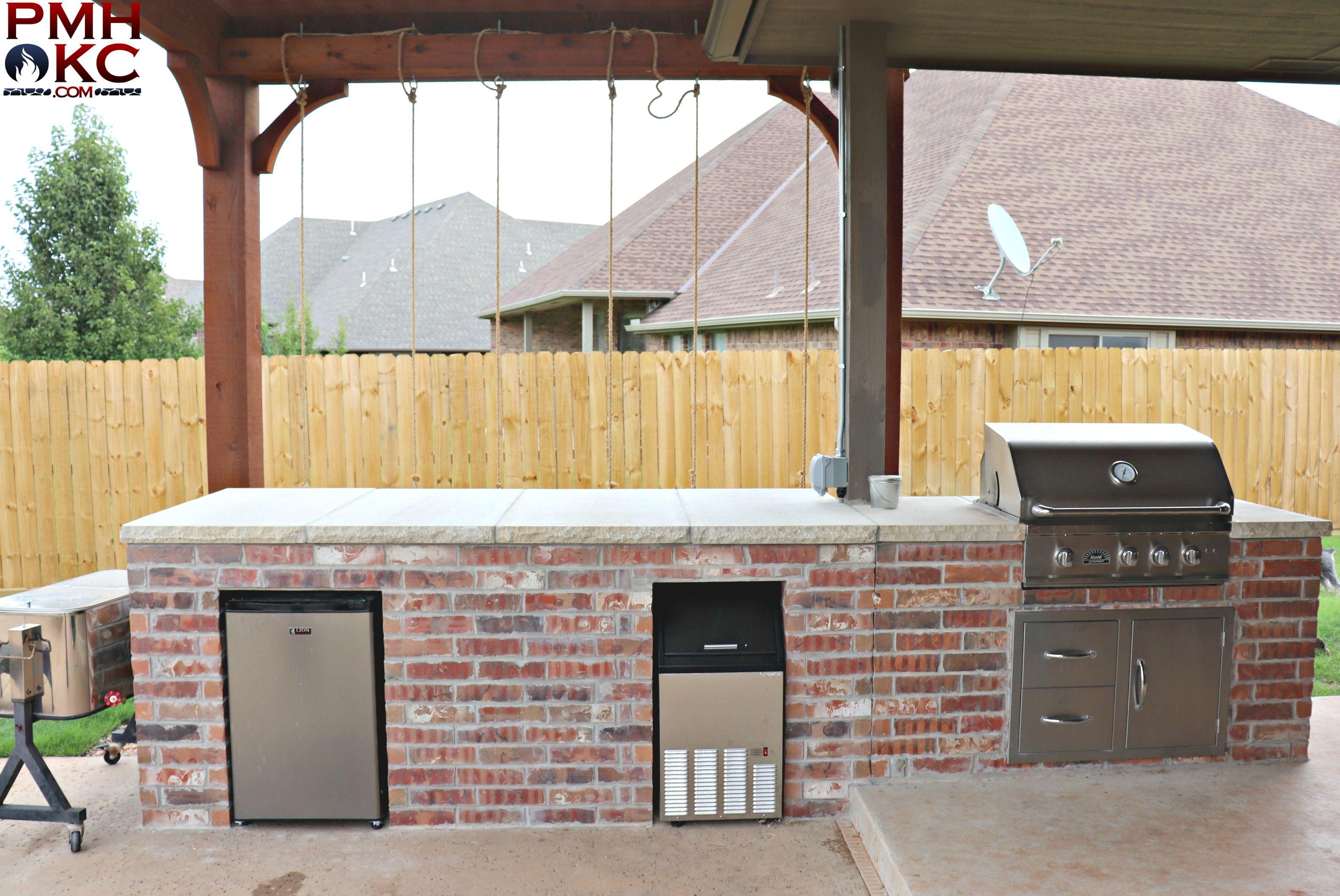 Custom Made Outdoor Brick Kitchen Outdoor Kitchen Outdoor Pergola Brick Kitchen