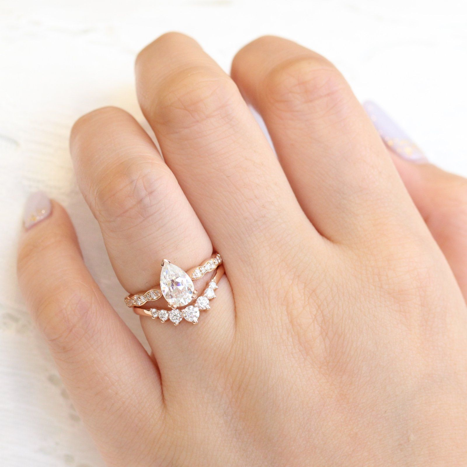 Grace solitaire bridal set in scalloped band w moissanite and