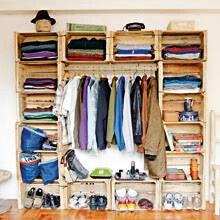 13 Imagenes de closet con cajas de madera