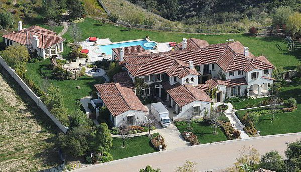Khloe's house in Calabasas a stones throw from Kourts
