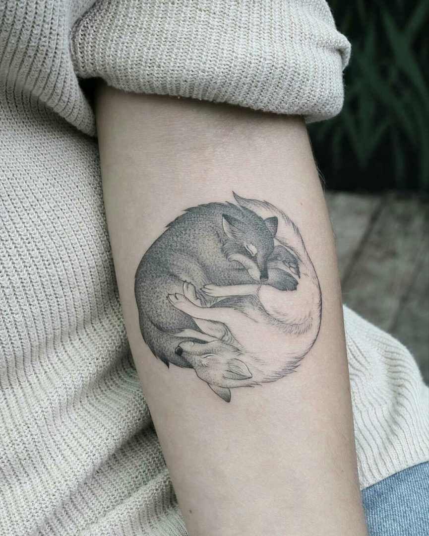 Minnietattooart Tatuaje Pareja De Lobos Tatujes De Mis Suenos