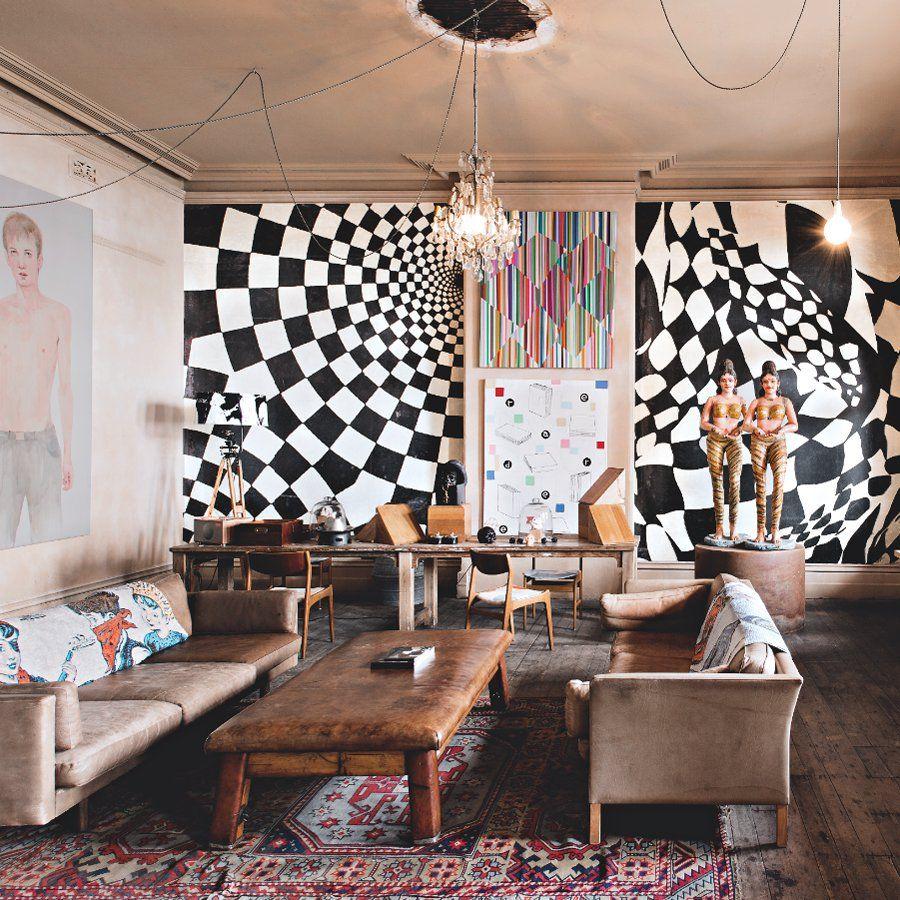 L\'extravagante galerie-atelier Mister Bromley | Bromley F.C. ...