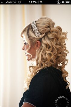 sweet 16 hairstyles with tiaras
