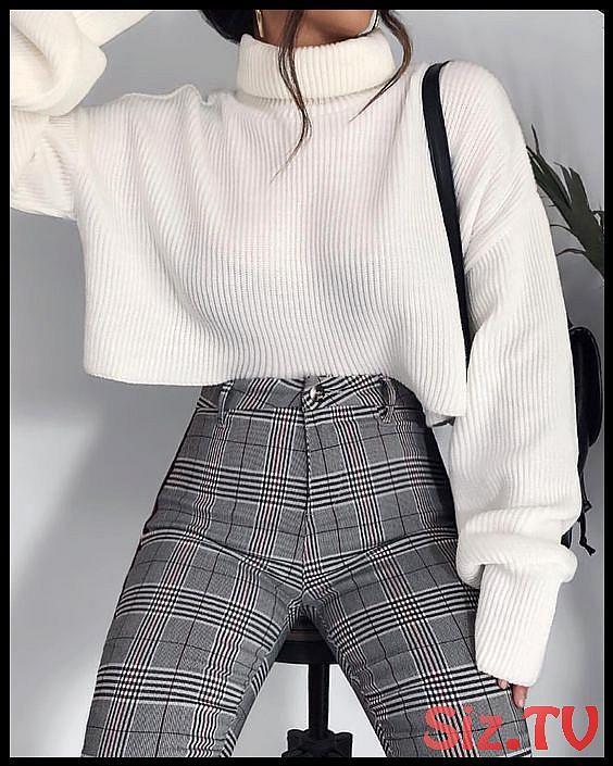 Stylische und kuschlige Outfits für die kalten Wintertage?❄️ Schau bei uns ...,  #bei #Die #f... #trendyoutfitsforschool