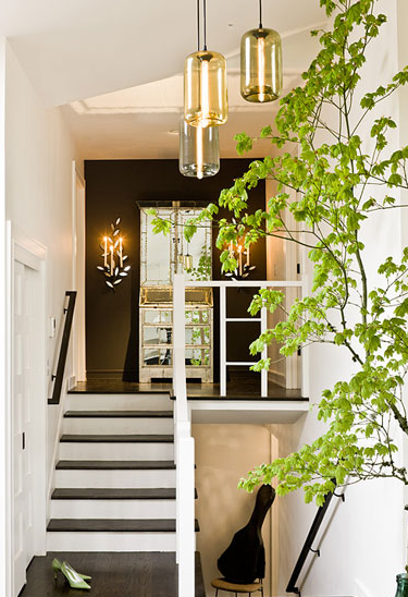 Accent wall, stairway