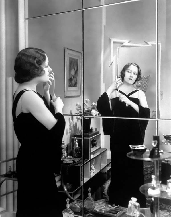 The blog is really worth viewing how ladies are dressed in their boudoir...