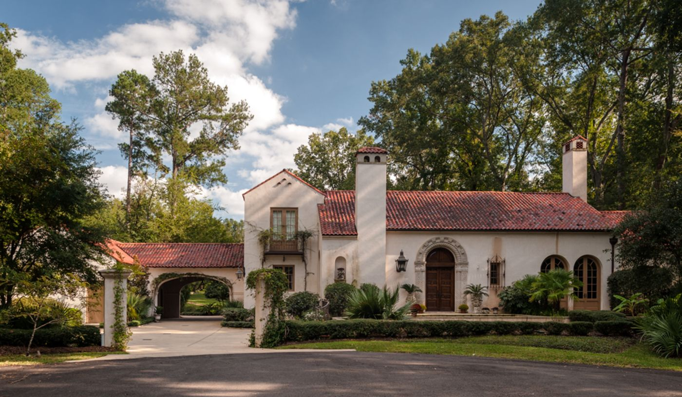 A New Spanish Colonial House in Mississippi by Ken Tate