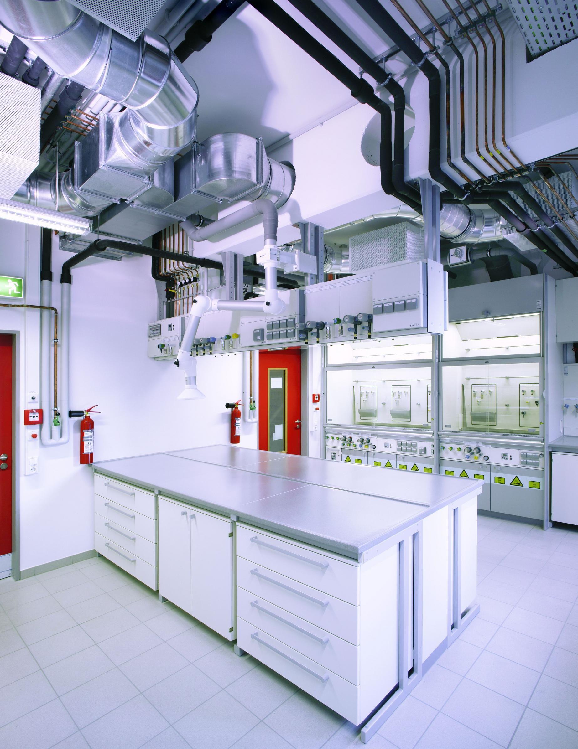 Christian Albrechts University Laboratory Alemania Arquitecto