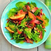 Peach & prosciutto salad