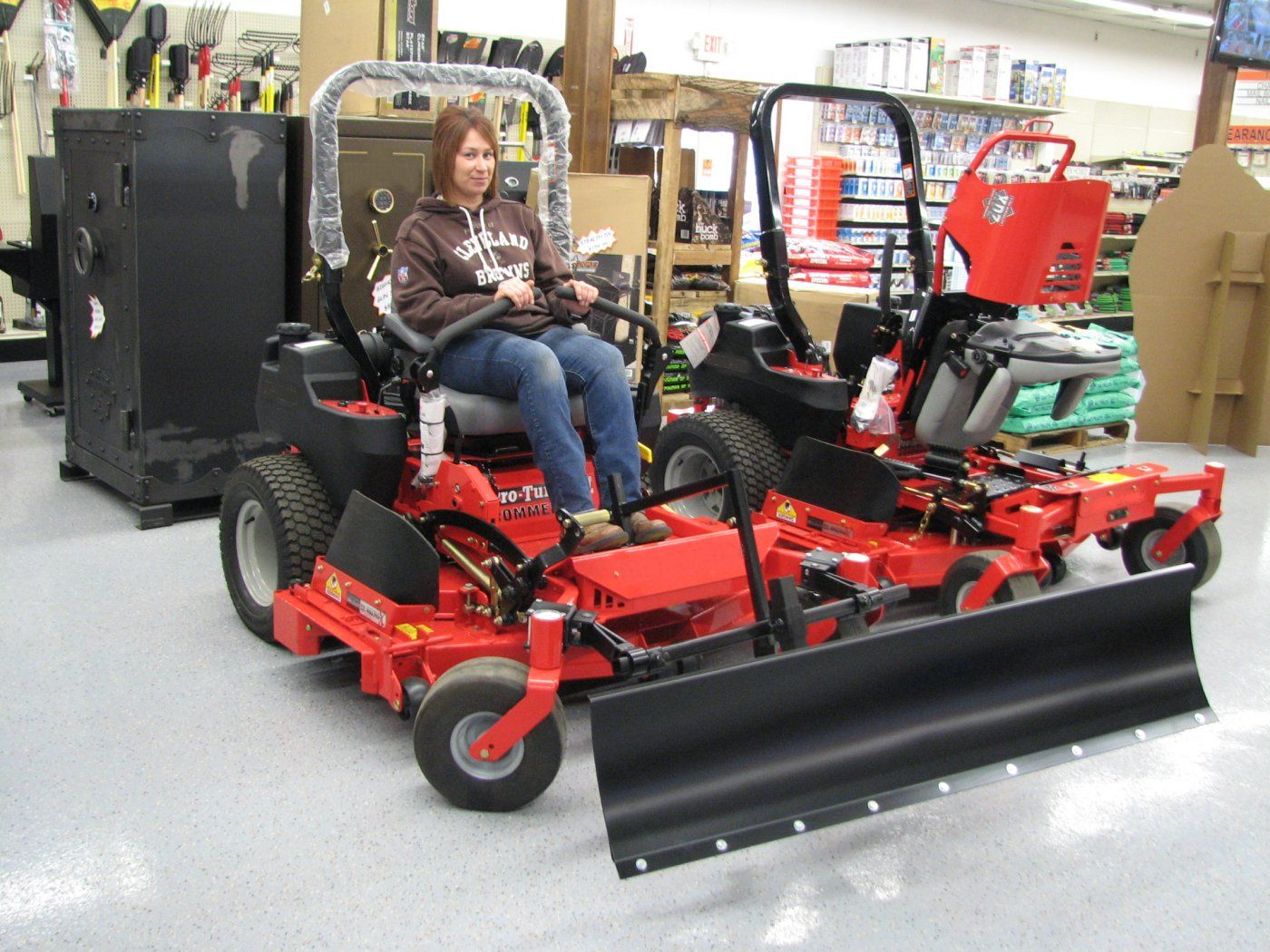 Curved Style Zero Turn Mower Snow Blade 5 Ft Wide Snow Plow Zero Turn Mowers Snow Blades