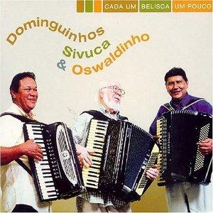 Cada Um Belisca Um Pouco (2004) est un disque de musique instrumentale Forró qui réunit trois monstres sacrés de l'accordéon (brésilien) : Dominguinhos, Sivuca e Oswaldinho. En rock, on appelle cela un supergroupe. Le Forró est un style de musique populaire...