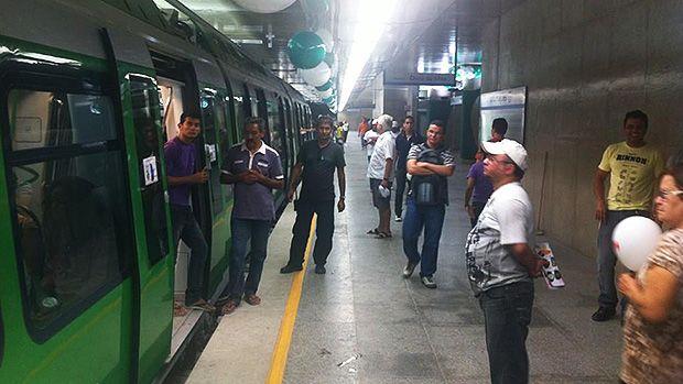 Ceará inaugura metrô incompleto a quatrodias da eleição - Brasil - Notícia - VEJA.com
