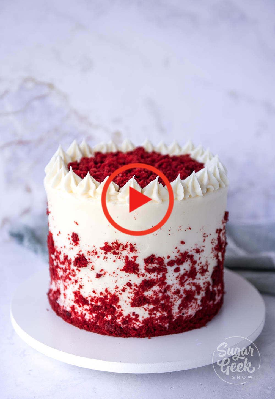 Gateau De Velours Rouge In 2020 Red Velvet Cake Recipe Red Velvet Cake Christmas Desserts