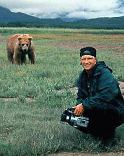 "Timothy Treadwell: bear ""expert"" killed by bears in 2020 