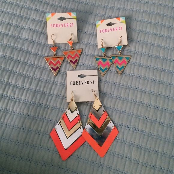 Earrings Earring bundle! Cute earrings that can be worn for any occasion! Forever 21 Accessories