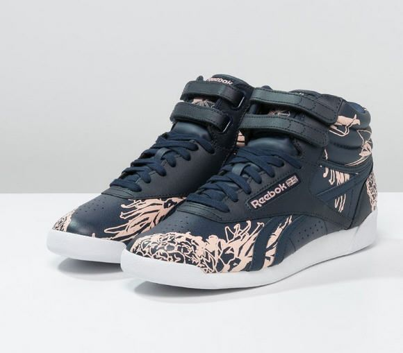 a4779f3f9b419 Reebok Classic Baskets montantes collegiate navy coral glow ...